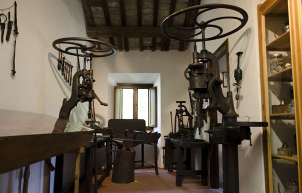 Banco Da Lavoro Per Fabbro : Antico banco da fabbro armando belluti artigiano del legno
